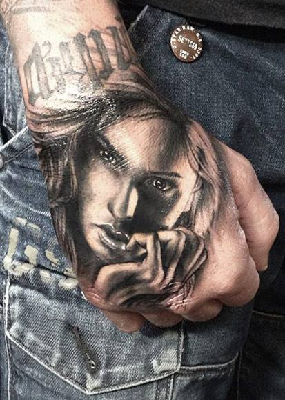 cool-tattoo-on-hands