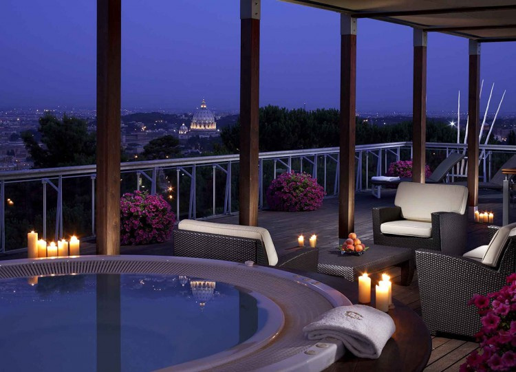 The Penthouse and Planetarium Suites ar Rome Cavalieri Warldorf Astoria 02